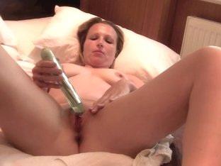 mother I'd like to fuck Relaxes in Shower then Masturbates to Squirting Big O