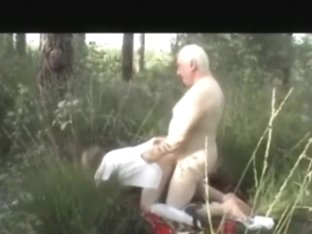 Grandma and grandpa make a sextape in nature
