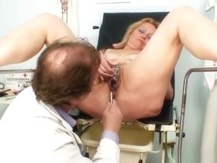 Mature Stazka gyno fetish real exam at kinky gyno office