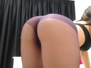 Gorgeous ass in pantyhose