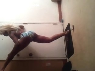 Incredible twerk livecam non-professional video