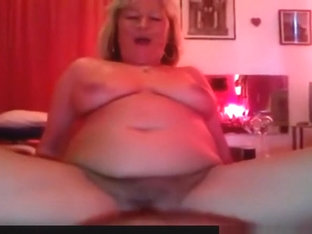Still had to fuck this 45yo milf with condom, because she's still fertile.