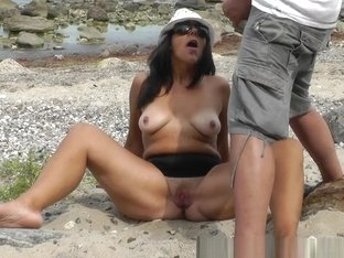 Kinky wife likes to get pissed on by strangers