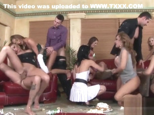 Kinky Orgy Session With Stunning Lookers