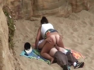 Bouncy ass looks hypnotizing on a beach
