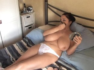 Girl with enormous jugs shows off in down blouse clip