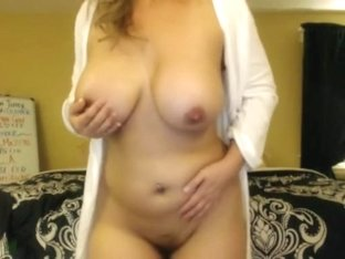 Golden-Haired mature I'd like to fuck Teasing
