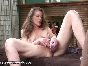 Fabulous pornstar in Crazy Mature, Fingering sex clip
