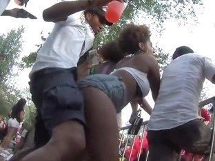 Twerking bitch loves attention