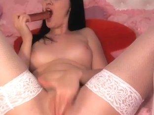 Slim amateur orgasms on webcam