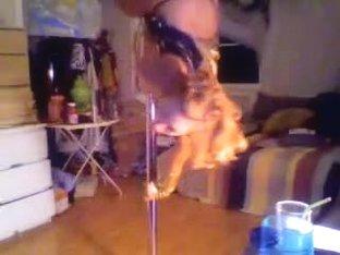 Hot bunny dances before her webcam