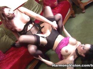 Crazy pornstars Holly Kiss, Valentina Cruz in Horny Lesbian, Cunnilingus xxx clip