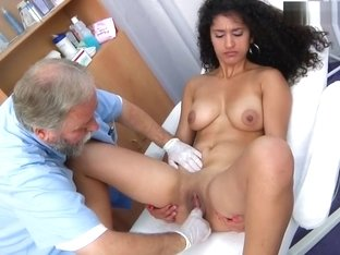 women-gynotologist-video-porn-with-dirty-old