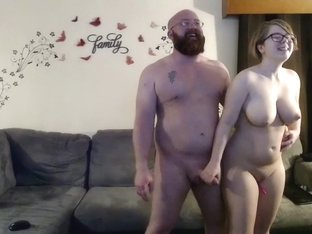 lilli_kiss gently caressed his pussy in fries