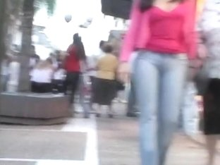 Woman with amazing ass wearing tight jeans