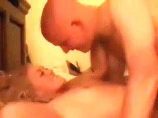 Frisky blonde bimbo licki