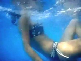 Underwater Ass candid