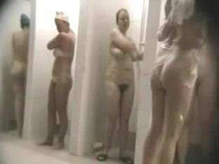 Hidden cam in the public ladies' sauna with naked random ladies