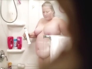 Fat Chrissy shower cleaning nude 1-18-2018