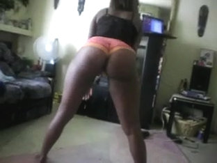 Ebony in glasses shakes ass for friend