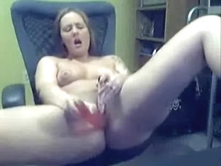 Brunette giving blowjob to her boyfriend and gets some nice facial