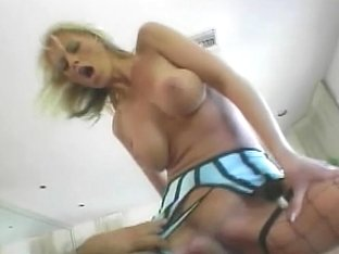 Darksome ding-dong pounding her booty