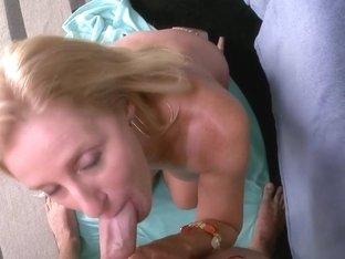 Amazing huge bouncy tits