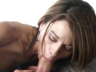 MommyBB Waiter serving a sexy rich MILF more than water