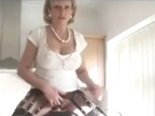Mother I'd Like To Fuck have some enjoyment on a Sybian