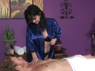 Massage-Parlor: The Time Traveler
