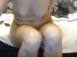 Amateur webcam video with slut toying her beaver