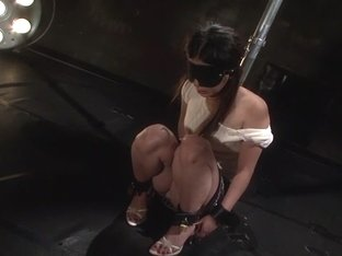 Karin Akagi in Bizarre Cage 70 part 1