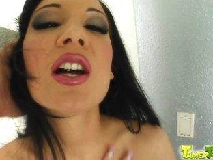 Tamed Teens Sex queen Reginas pussy gets royal treatment