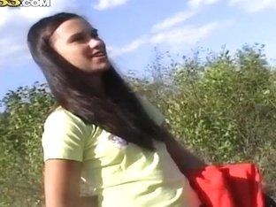 Outdoor sex with my teenage girlfriend