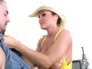 Two dicks for Lisa Ann