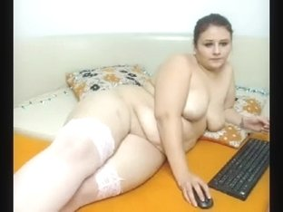 BBW amateur brunette is giving me a blowjob on webcam