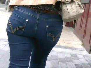 Candid tight ass milf in jeans