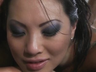 Petite and gorgeous Asian sex-goddess Asa Akira needs to relax