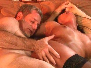 Latin MILF in stockings enjoys a dick