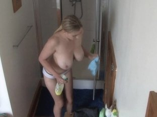 Busty blonde reveals her boobs in down blouse video