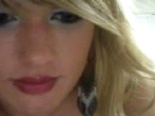 Blonde bitch on a web cam xxx show