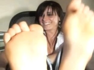 Mature I'd like to fuck SHOWING FEET ON WEB CAMERA