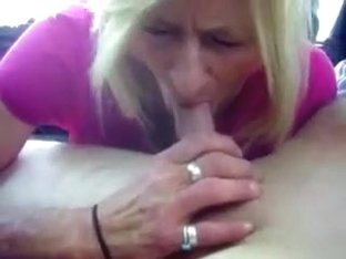 I am an experienced girl and I know how to give a great bloojob